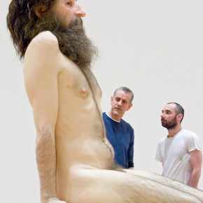 Ron Mueck - Ausstellung in der Fondation Cartier Paris September
